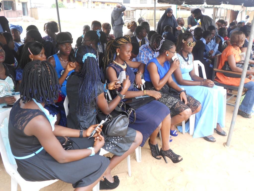 Studenti presenti alla conferenza Narconon di prevenzione